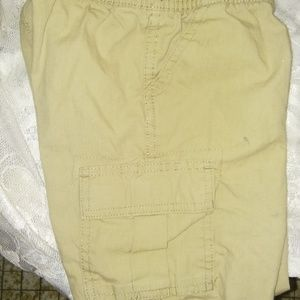 Little Boy Carpenter Khaki Shorts (4T)(EUC)